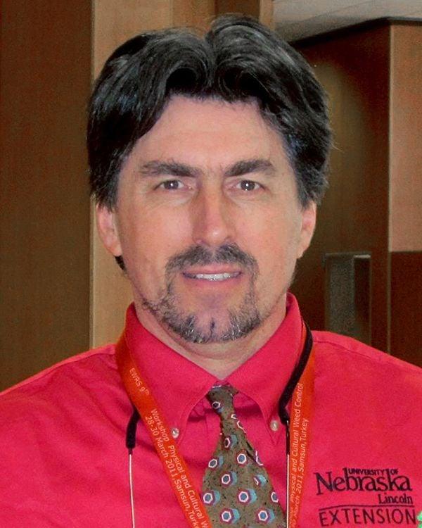 Dr. Stevan Knezevic