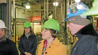 candidate Amy Klobuchar tours Lincolnway Energy