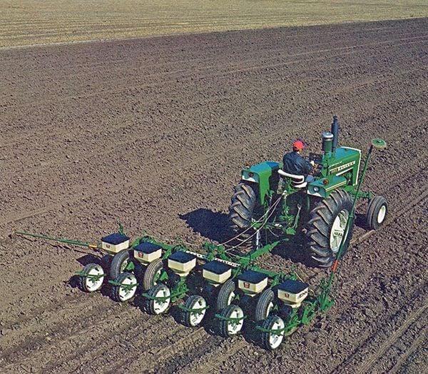 Oliver Plant/Aire 5400 Series planter