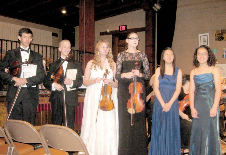 Local students perform for the Bach and Louise Kerr concert