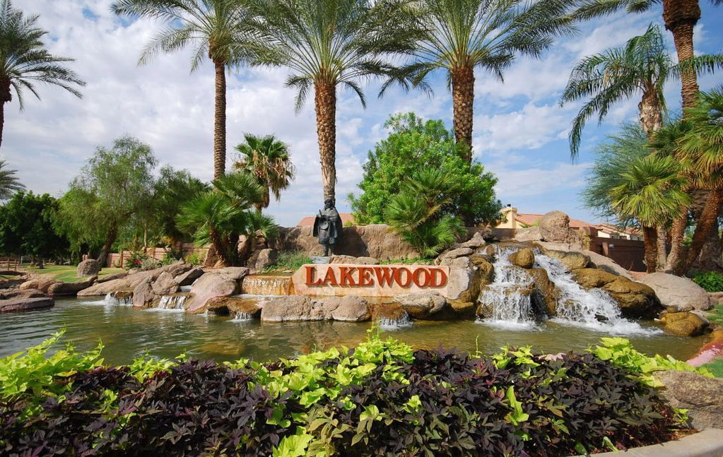 Communities like Lakewood reflect the prosperity that a national study found in all three of Ahwatukee's ZIP codes.