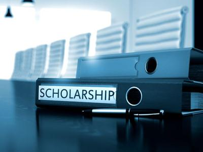The program is funded by about 420 companies and distributes three different kinds of scholarships