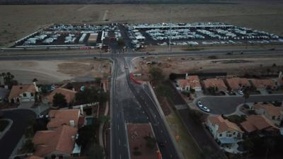 The Arizona Department of Transportation is still contemplating a South Mountain Freeway interchange at 32nd Street in Ahwatukee after initially abandoning the plan several years ago because it thought it would need to acquire more houses.