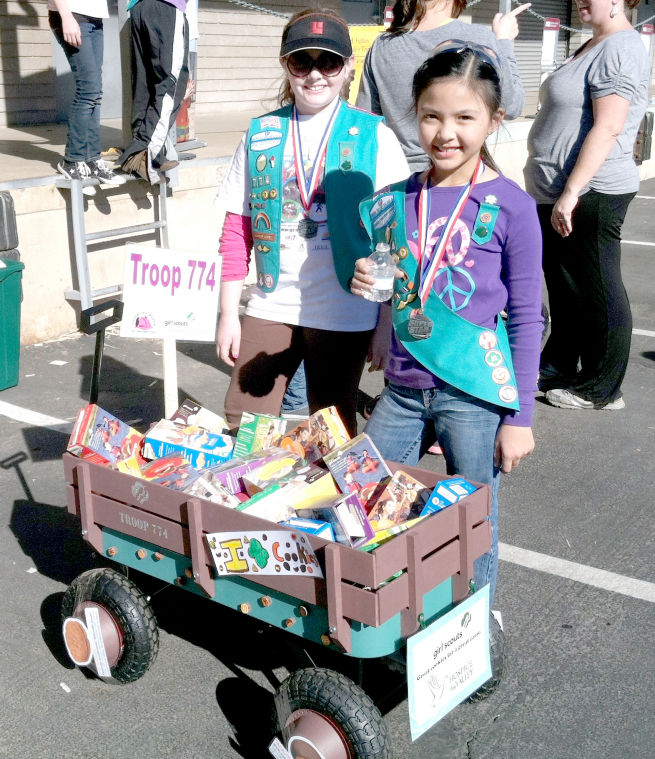 Ahwatukee Girls Scouts and Hospice of the Valley