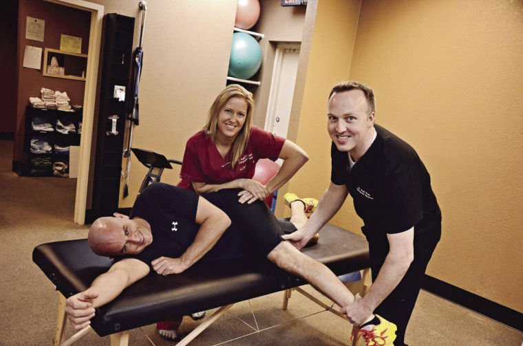 Gift certificate deals are available for Christmas at AZ Spine Disc and Sport.