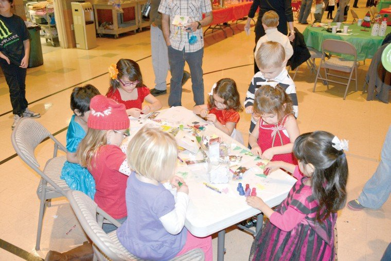 Ahwatukee Preschool hosts breakfast with Santa