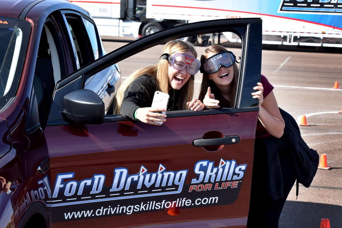 Ford teaches mountain pointe high students safe driving for Ford motor company news headlines
