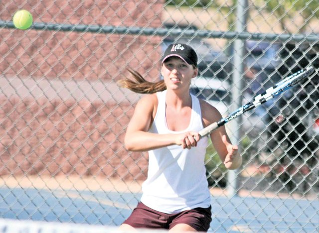 No time to daydream in Pride girls tennis