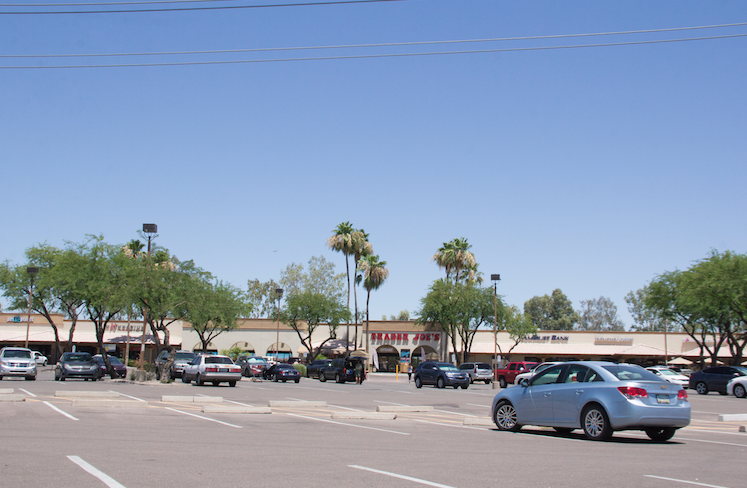 Strip malls in Ahwatukee are holding steady as far as vacancy rates are concerned, experts say.