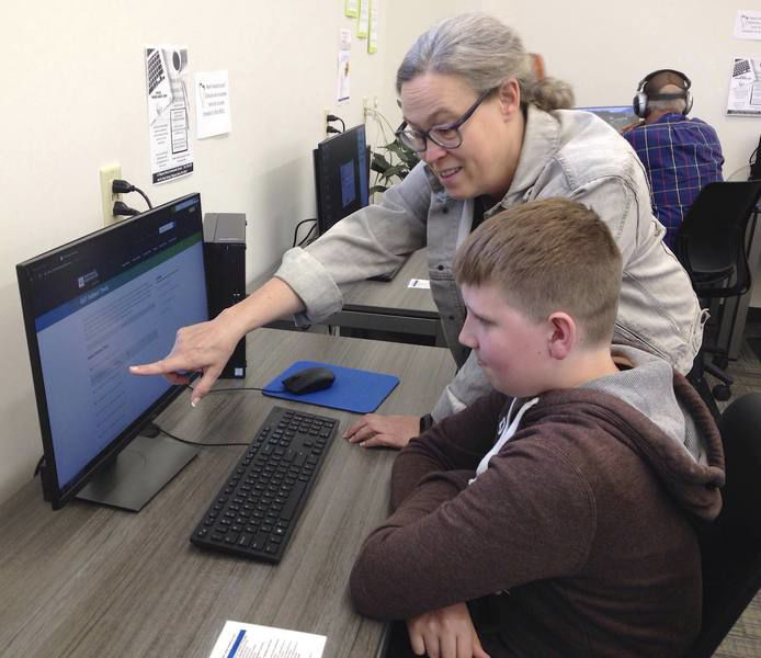 SR library's offerings expand vastly in its new quarters