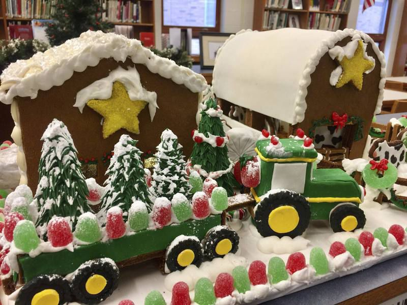 Gingerbread Christmas Farm Rises