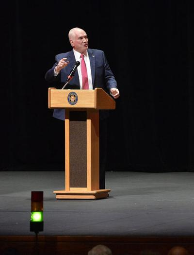 Kelly touts economic growth, tax relief