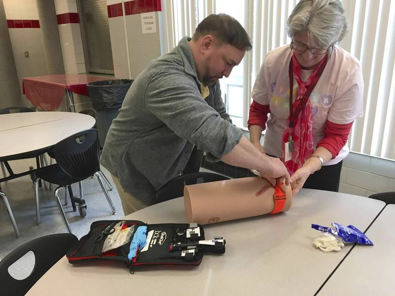 Lakeview learns how to 'Stop the Bleed'