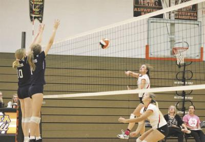 Lady Colonels split results on volleyball court