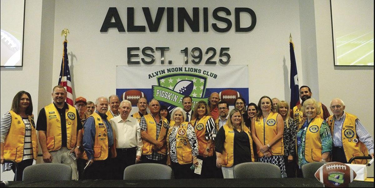 Alvin Noon Lions Club members