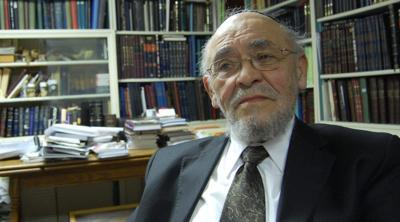 Courtesy of JTA; Photo credit: Ben Harris. Rabbi Moshe Tendler, who died Sept. 28, was a strong proponent of the view that brain death, rather simply the cessation of a heartbeat, should be considered death according to Jewish law, thus allowing organ donation.