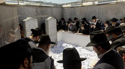 50,000 flock to  Rebbe's grave to mark anniversary of his death