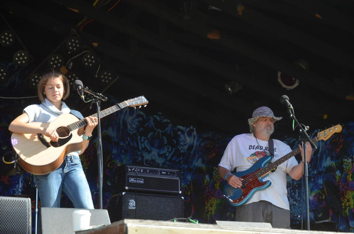 Ava Earl and Andy Mullen on the mainstage of Slamonfest.JPG