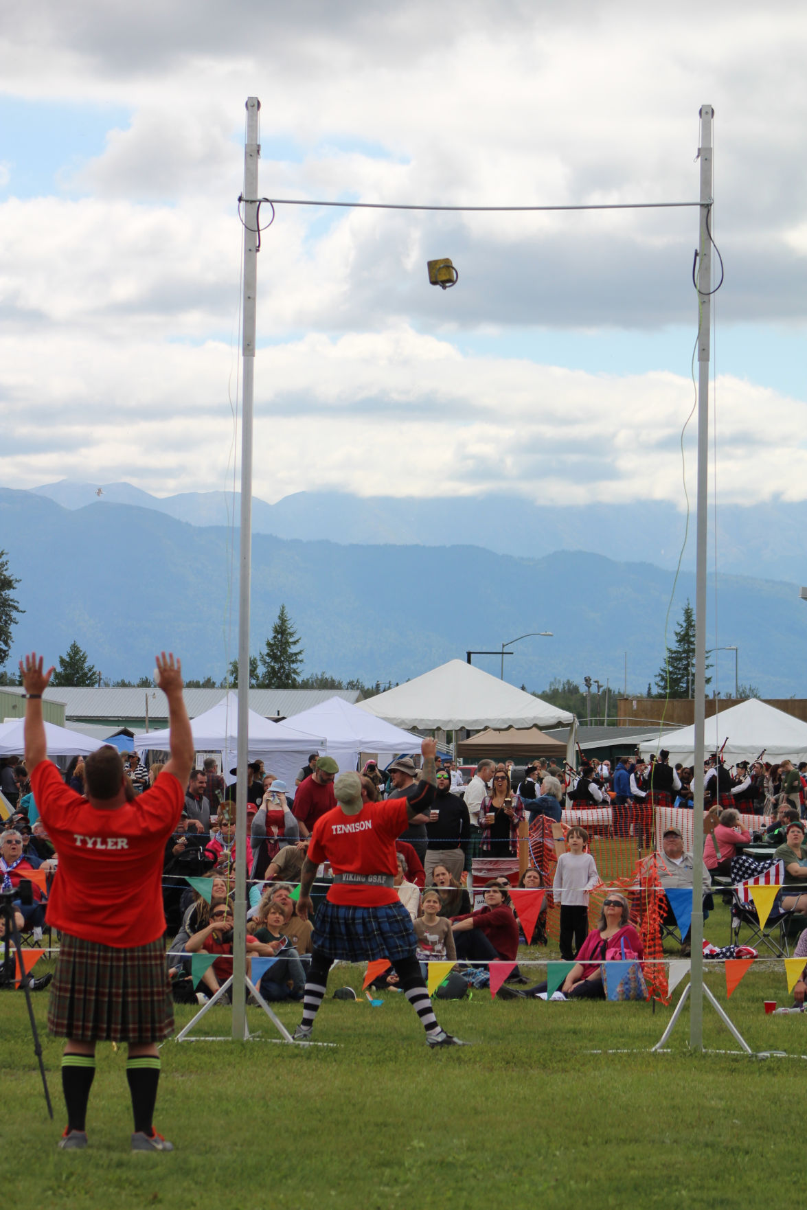 Scottish highland games find a perfect home in alaska sports and scottish highland games find a perfect home in alaska sports and outdoors anchoragepress solutioingenieria Choice Image