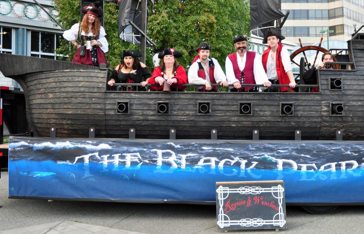 Rogues and Wenches on the Black Pearl Pirate Pub Crawl 2018.jpg