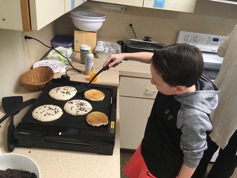 In good taste -- veterans get a pancake thank-you