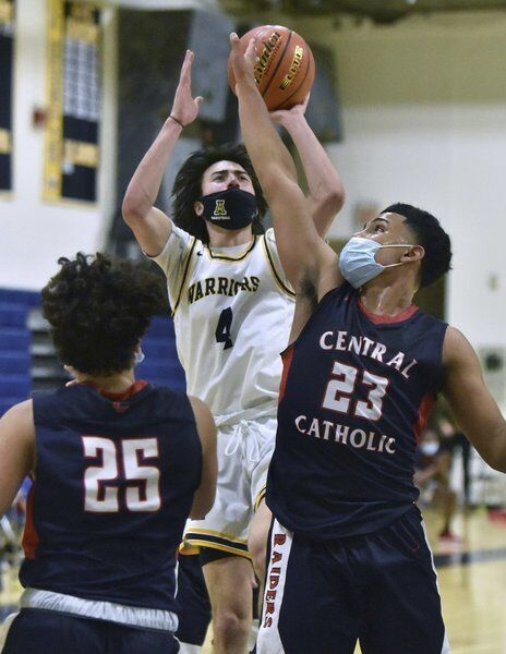 LOCAL ROUNDUP: Shahtanian, boys basketball remains perfect