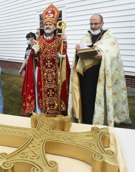 Cross raised at St. Gregory Armenian church