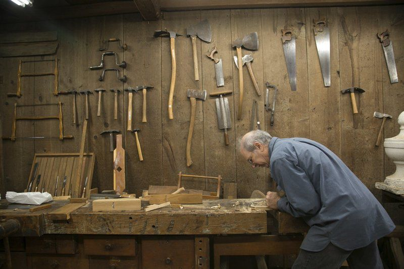 Traditional woodwork, traditional tools