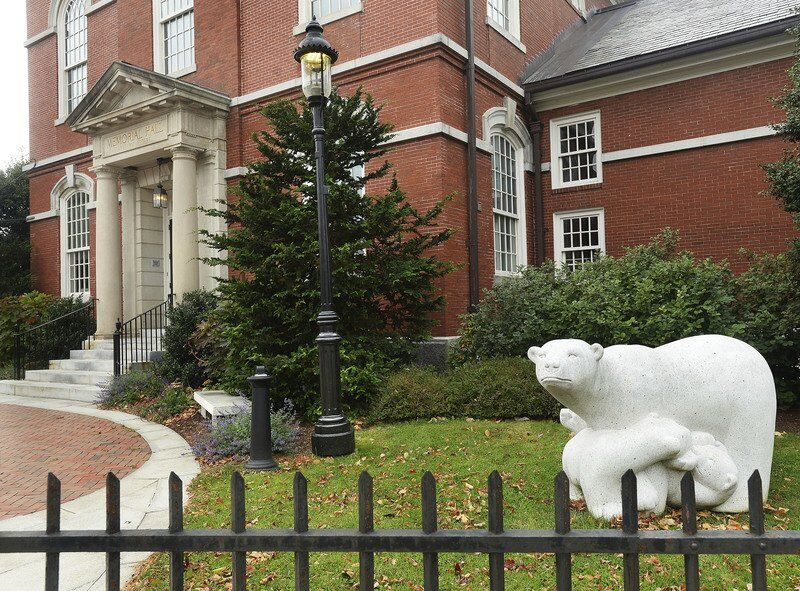 Memorial Hall Libraryopen to public