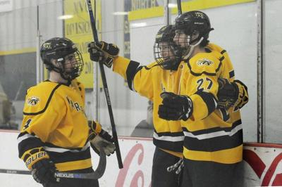 Blades of Glory: Reilly gets new blade, Andover shocks Central