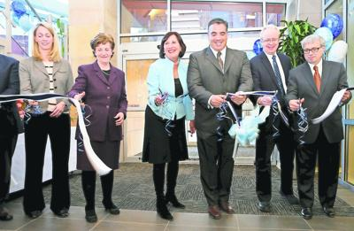Andover Medical Center ribbon cutting