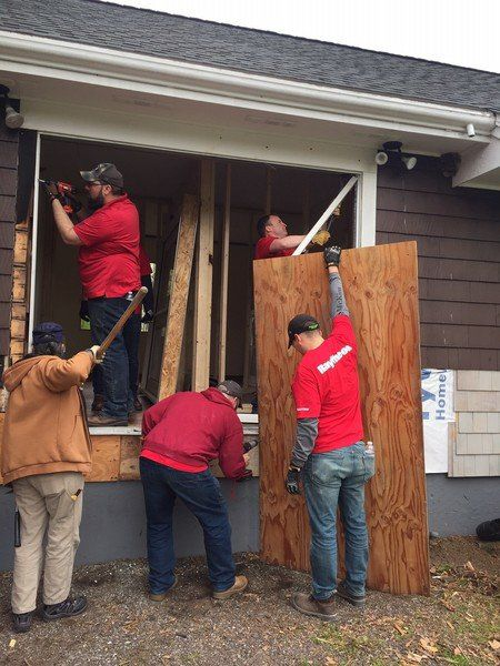 Raytheon employees help out at Ironstone
