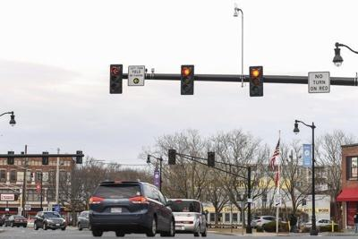 Baker proposes red-light cameras for intersections statewide