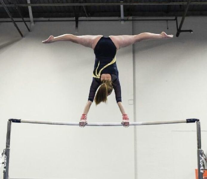Track's Parrot, gymnast Francis win MVC titles