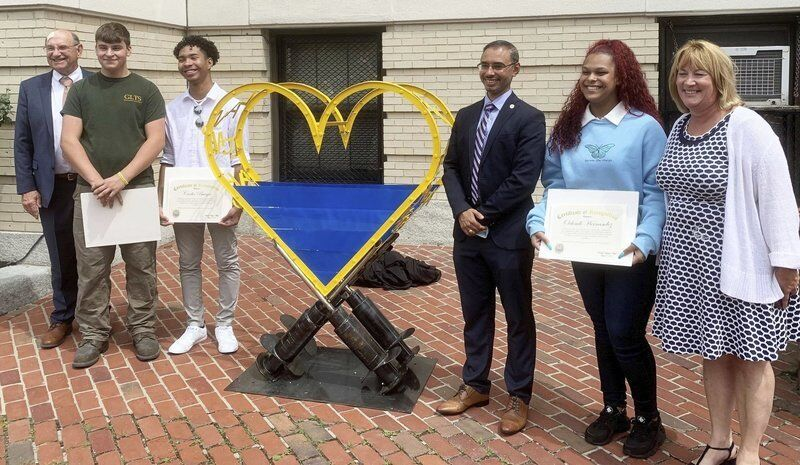 GLTS students craft sculpture promoting vaccines