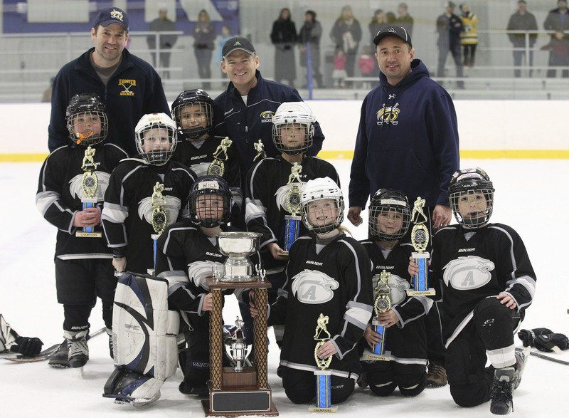 Mites skate strong in 2014 Heseltine Tournament; 22 area teams face-off in memorial competition