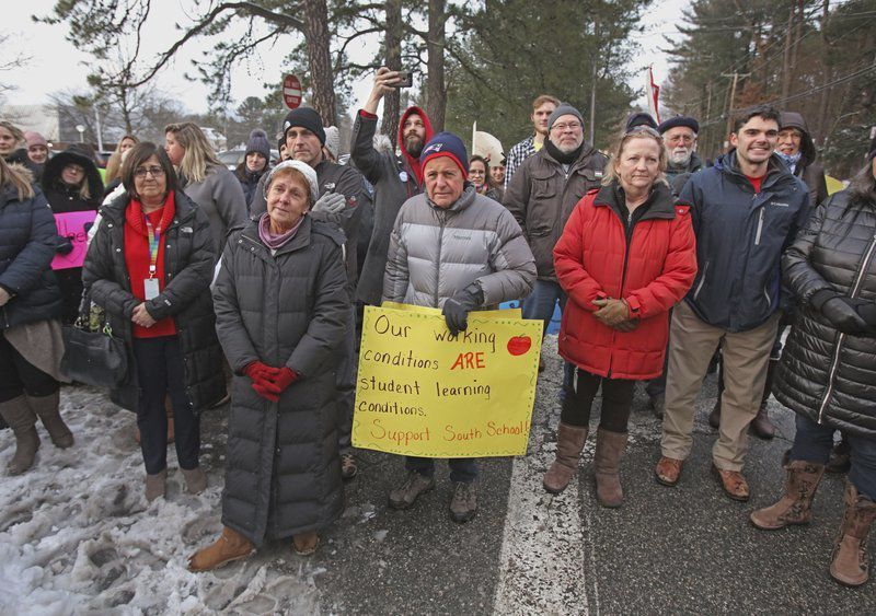 Angry teachers rally