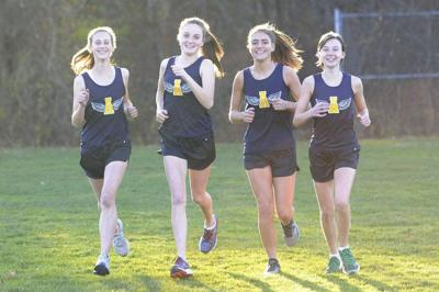 Girls cross country looks ready to shine in 2017