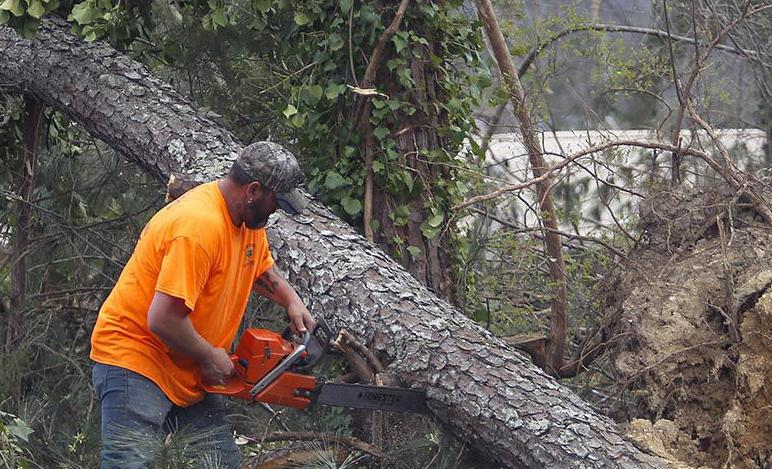 Good Samaritans swarmed city in the hours after tornado