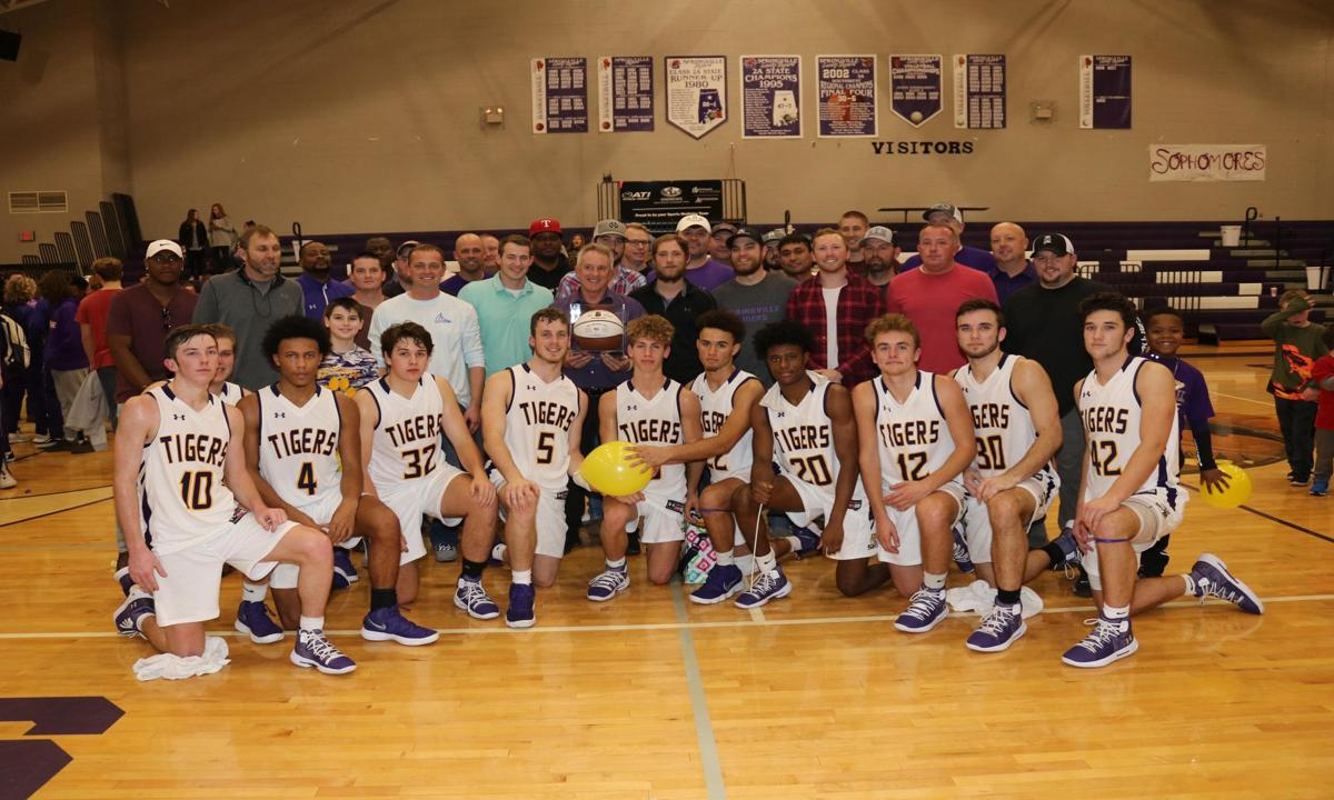 best service 244b3 d3d1f Springville's Jeff Smith earns 500th basketball victory ...