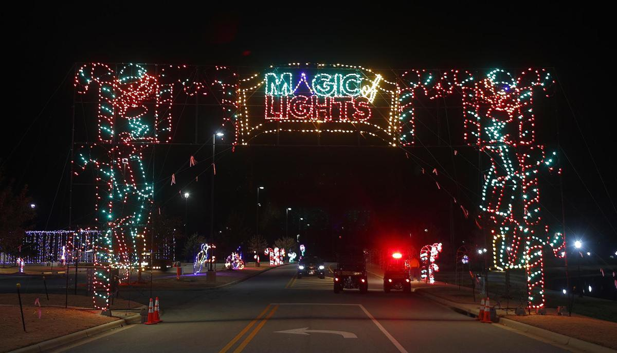 112019_Magic of Lights_006 tp.jpg