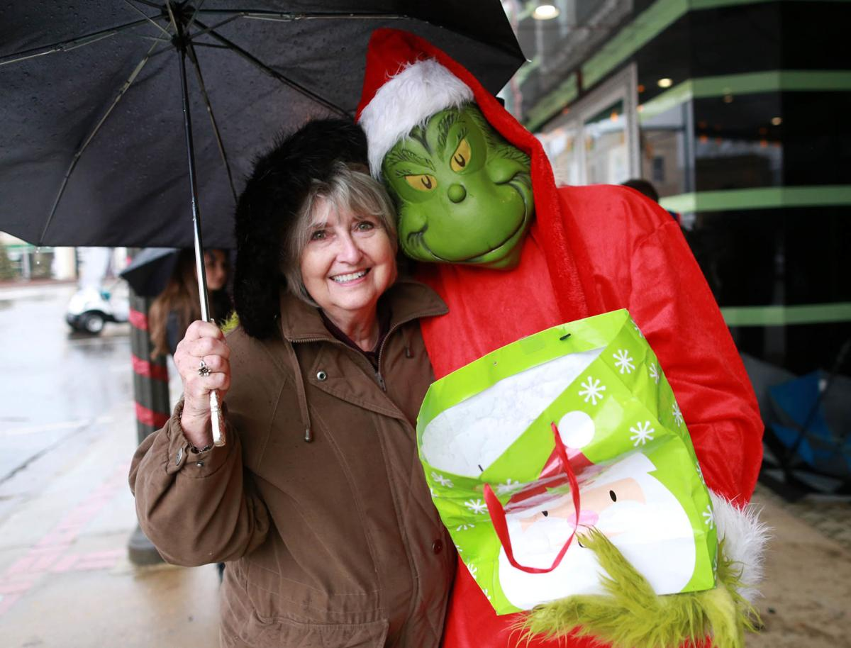 NO STOPPIN' CHRISTMAS: Rain, cold not enough to prevent Talladega's Christmas on the Square from drawing good crowd Saturday