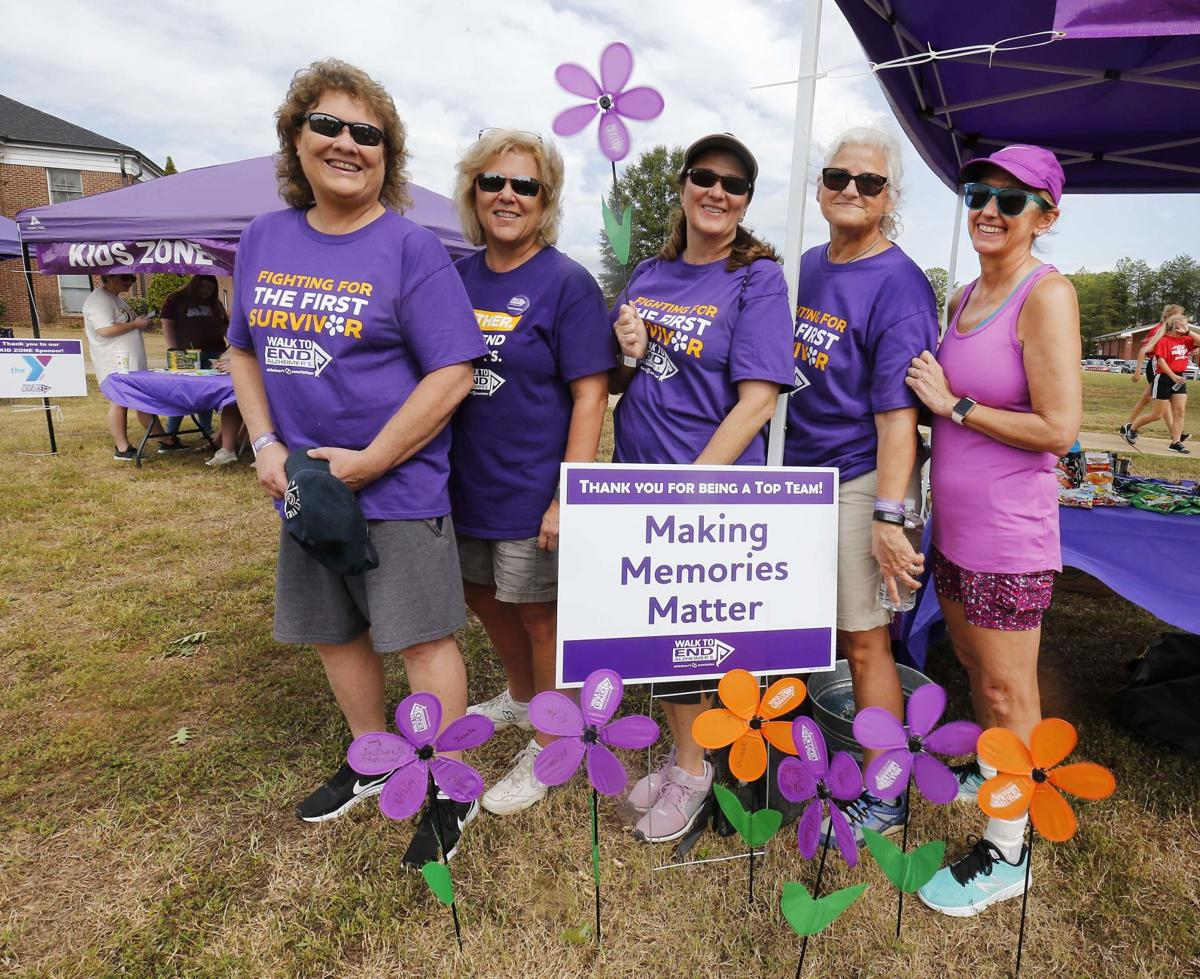 5d9a4d2d5454a.image - Walk to End Alzheimer's raises tens of thousands in donations | Local News