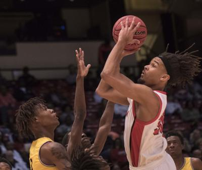 Kobe Simmons looks to score in state title game