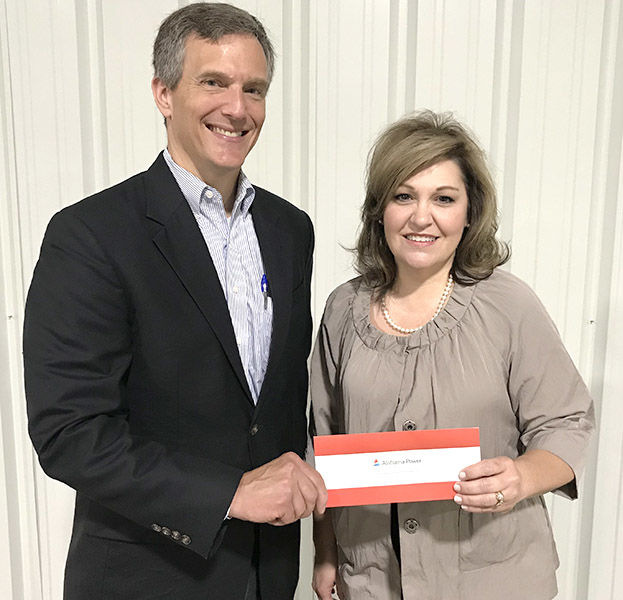 Alabama Power makes donation to Comer Library Foundation