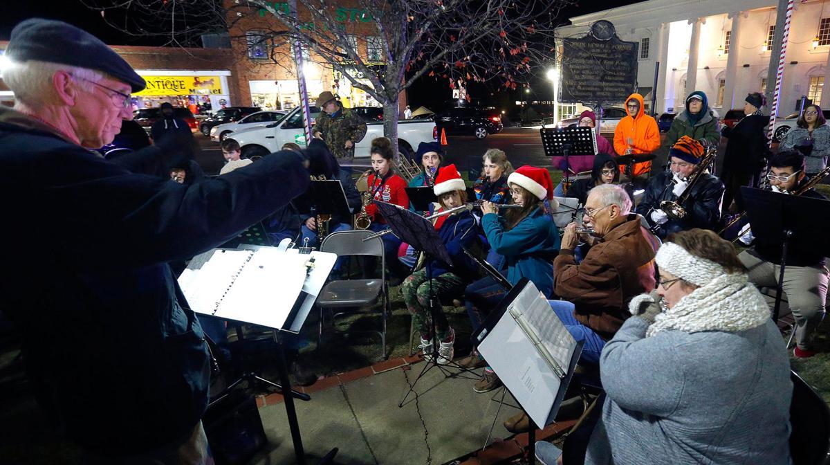 Jacksonville lights up square for the Christmas season