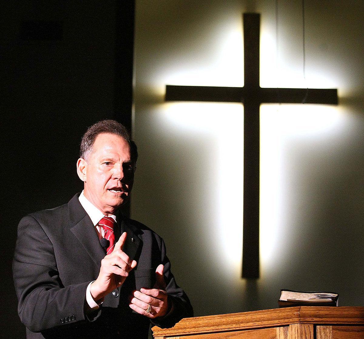 Roy Moore speaks at Angel Grove Baptist Church