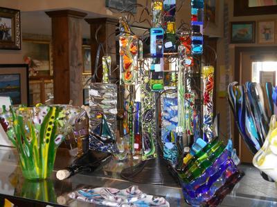 Mari Chandler glass fusion art.JPG