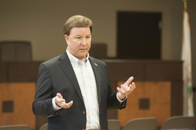 Rep Mike Rogers visits Lincoln 1 tw.jpg