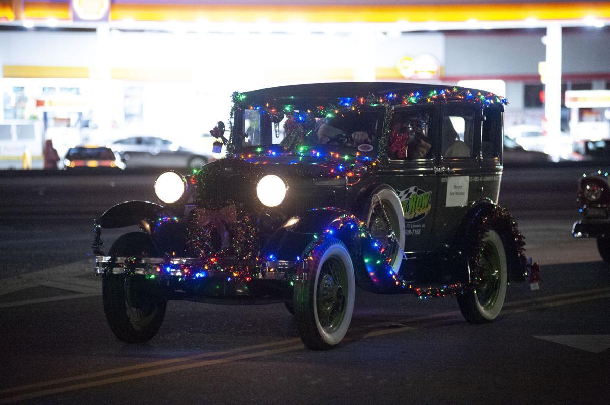 2019 Lincoln Christmas Parade 02 tw.jpg